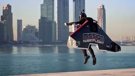 Człowiek rakieta, Vince Reffet, odbył niesamowity lot nad Dubajem (film)