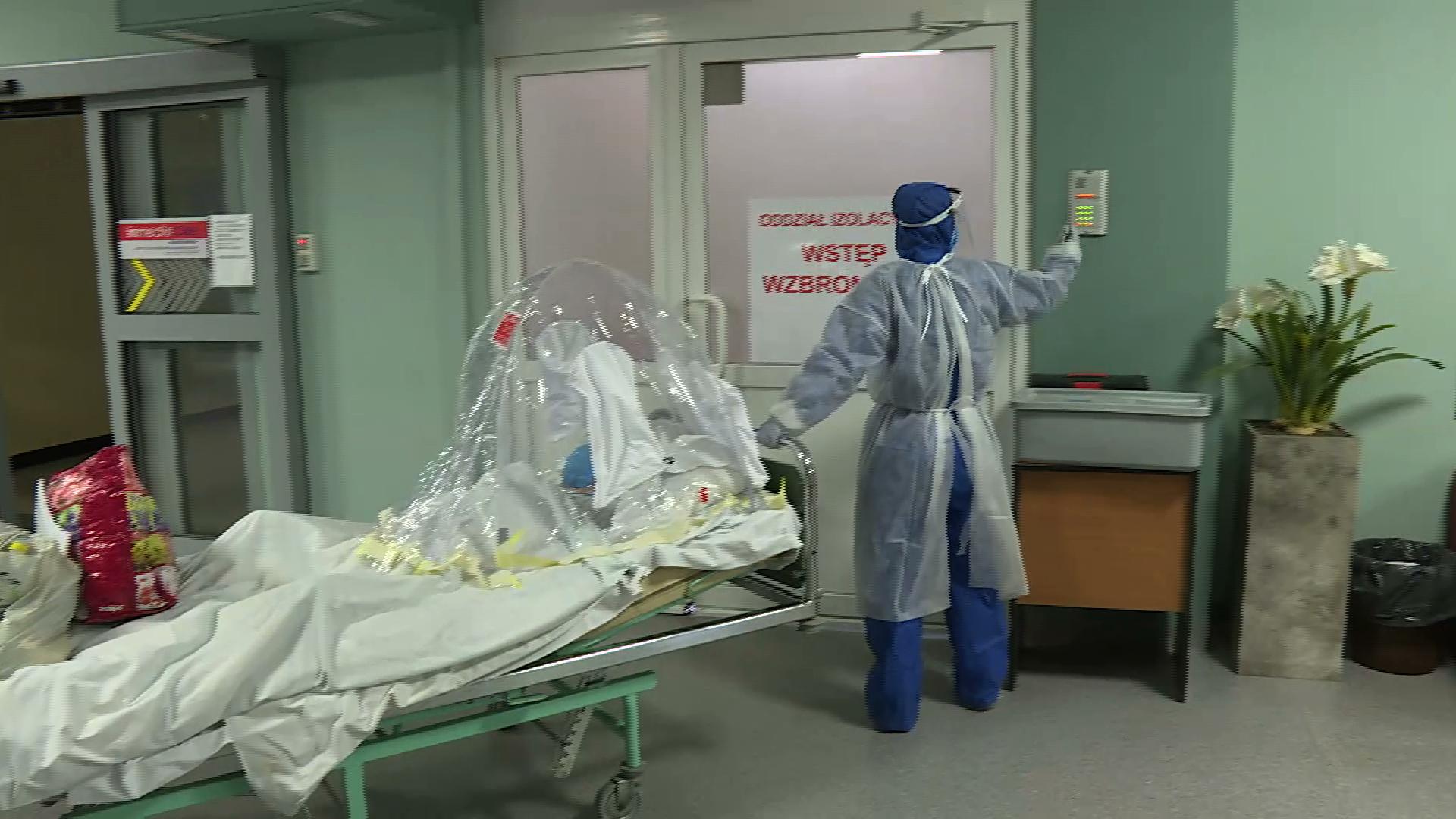 Ponad 10 tysięcy potwierdzonych zakażeń SARS-CoV-2 jednej doby